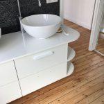 plancher bois dans une salle de bain