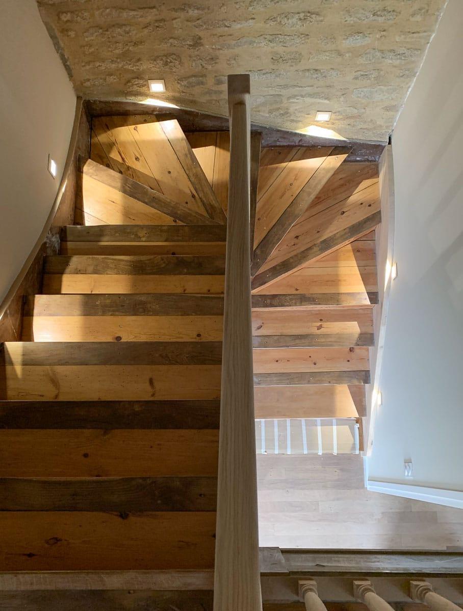 Poncage Escalier En Bois rénovation de parquet quimper - brest - lorient - ardécosol